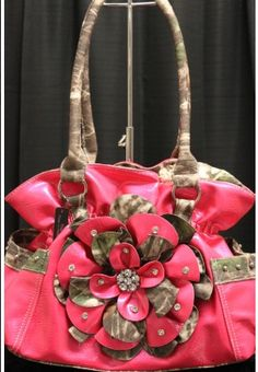 Camo and pink purse!!