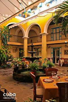 El Patio restaurant in Cathedral square in old havana© Cuba Absolutely, 2014