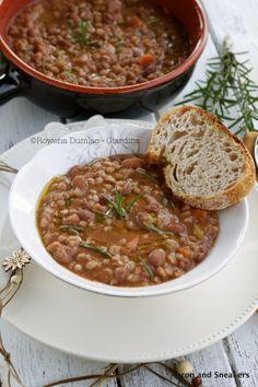 Zuppa di Farro e Fagioli (Emmer Wheat & Borlotti Bean Soup) from @Rowena Dumlao Giardina | Apron and Sneakers
