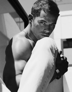 Kellan Lutz... i cant wait to see your beautiful face tonight!!!