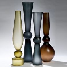 Balustrade vase - by simon moore, shown at vesselgallery.com