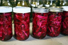 Easy pickled red cabbage