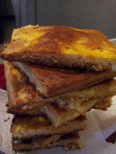 Böyle bir lezzet yok..   Hem börek ye kocaman kocaman dilimler ile hem diyet yap böyle bir diyette yok..   geçen günkü tost ekmeklerinden...