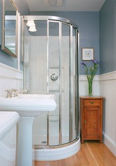 27 Small and Functional Bathroom Design Ideas