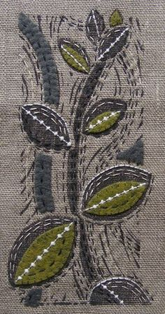 Print on linen, embellish with embroidery and wool applique Sashiko Embroidery, Embroidery Applique, Embroidery Stitches, Machine Embroidery, Embroidery Designs, Sewing Stitches, Wool Applique, Cross Stitches, Fabric Postcards