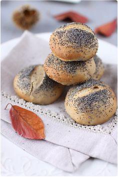 Petits pains de table, farine de chataigne et graines de pavot