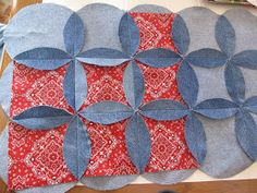 Three Turns to Home Circle Quilts, Crazy Quilt Blocks, Quilting Projects, Sewing Projects, Cathedral Window Quilts, Toy Basket, Denim Crafts, Hardanger Embroidery, English Paper Piecing