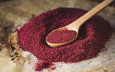 Ελάχιστα γνωστό στην Ελλάδα, τοσουμάκείναι από τα βασικά μπαχαρικά της κουζίνας των χωρών της Μέσης Ανατολής. Ένα μπαχαρικό που τονίζει τη γεύση του κεμπαπ αλλά ταιριάζει απόλυτα και σε όλα είδη ψητών κρεατικών και φυσικά ως συστατικό σε μαρινάδες. Γένος φυτών που περιλαμβάνει περί τα 120 είδη. Ευδοκιμεί στα εύκρατα κλίματα και είναι γνωστό στην … Shawarma, Hummus, Tamarin, Dna Repair, How To Make Tea, American Food, Superfood, Street Food, Food Hacks