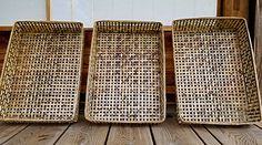 衣装籠としてご愛用いただきたい四ツ目籠です。 Bamboo Art, Bamboo Crafts, Bamboo Fence, Bamboo Decoration, Bamboo Texture, Bamboo Products, Japanese Bamboo, Home Decor, Homemade Home Decor