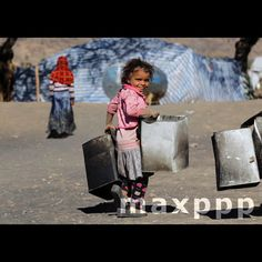 A picture made available on 07 December 2016 shows a displaced child holding empty pots at a camp for Internally Displaced Persons (IDPs) on the outskirts of Sana?a, Yemen, 06 December 2016.  EPA/YAHYA ARHAB (MaxPPP #photo #photos #pic #pics #picture #pictures #snapshot #art #beautiful #instagood #picoftheday #photooftheday #tbt #cute #followme #follow #color #exposure #composition #focus #capture #moment #photojournalism #photojournalisme #maxppp