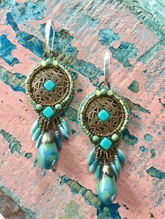 Een persoonlijke favoriet uit mijn Etsy shop https://www.etsy.com/nl/listing/524186461/turquoise-tusayan-bowl-design-earrings