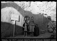 Spain - 1937. - GC - Teruel - @ Robert Capa