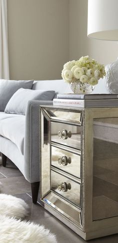 I love love love mirrored furniture, my girls have a mirrored dresser and night stand. Now I just need end tables for my living room. Living Room Decor, Living Spaces, Bedroom Decor, Mirrored Side Tables, Muebles Living, Mirrored Furniture, Mirrored Nightstand, Mirrored Vanity, Bedside Cabinet