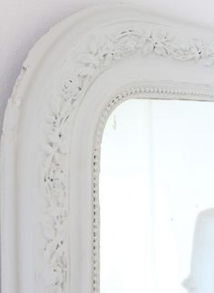 White Vintage Home: beautiful old mirror ~❤