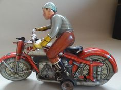 ARNOLD MAC 700 RARE RED VERSION GERMAN TIN TOY MOTORCYCLE GERMANY FREE SHIPPING!