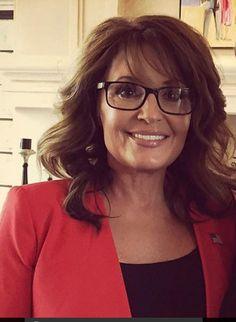 Sarah Palin Hot, Other Woman, Famous People, Sexy, Beautiful, Women, Fashion, Woman, Eyeglasses