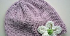 A blog sharing my love of modern quilting, sewing,dressmaking and knitting using organic materials wherever possible Knitted Flowers Free, Knitted Flower Pattern, Knit Flowers, Baby Hat Knitting Patterns Free, Baby Hats Knitting, Easy Knitting, Knitted Hats, Modern Quilting, Flower Tutorial