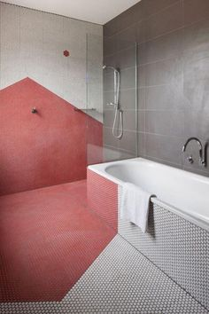 Bathroom: Pink and white hexagon tiles (http://cimmermann.co.uk/blog/la-vie-on-rose-5-ways-to-use-pink-in-your-home/)
