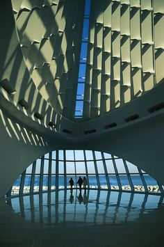 ✭ A view of the inside of the Milwaukee Art Museum