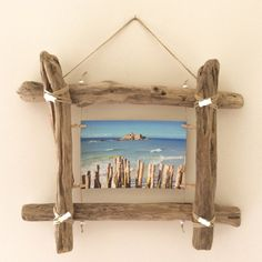 The perfect DIY decoration - driftwood ideasmake your own wall decor driftwood ideasDriftwood photo frame from Workshop: wall decoration .Driftwood photo frame from Workshop: wall decoration . from photograph driftwood from Driftwood Furniture, Driftwood Projects, Diy Furniture, Driftwood Ideas, Furniture Projects, Art Projects, Wooden Decor, Wooden Diy, Diy Wood