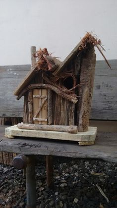 Birdhouse Craft, Birdhouse Designs, Rustic Birdhouses, Birdhouse Ideas, Fairy Tree Houses, Fairy Garden Houses, Mini Cactus Garden, Bird Tables, Potager Bio