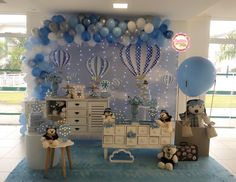Gender Reveal Themes, Gender Reveal Balloons, Boys 1st Birthday Cake, Baby Shower, Ballon, Reveal Parties, Hot Air Balloon, Birthday Party Decorations, Baby Boy Birthday