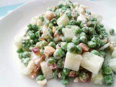 #ensalada #arvejas (#AlWok #ChiliSeco #sal #AceiteDeOlivas) #pepino #cebollín #ajo #YogurtGriego #maní #feta #apio