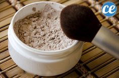Natural Homemade Foundation Powder: For a happy face. How To Make All Natural Homemade FoundationHow To Make All Natural Homemade Foundation Bb Beauty, Make Beauty, Natural Beauty Tips, Health And Beauty Tips, Beauty Care, Beauty Makeup, Beauty Book, Drugstore Beauty, Healthy Beauty