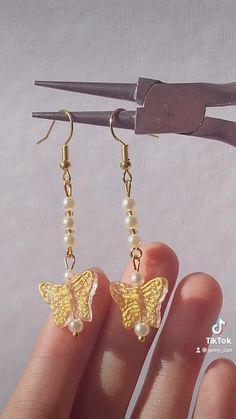 Diy Pearl Rings, Diy Jewelry Rings, Wire Jewelry Designs, Handmade Wire Jewelry, Diy Crafts Jewelry, Bracelet Crafts, Ear Jewelry, Bead Jewellery, Cute Jewelry