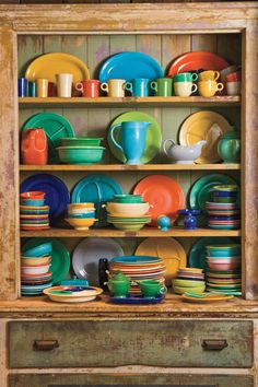 Use these fun design and decorating ideas to give your kitchen big flavor with unique personalized touches. Boho Kitchen, Farmhouse Style Kitchen, Kitchen Styling, Rustic Kitchen, Tropical Kitchen, Bistro Kitchen, Vintage Farmhouse, Fiesta Kitchen, Kitchen Buffet
