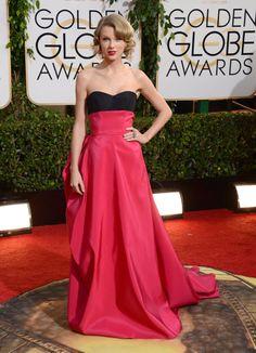 Globos de Oro 2014. Taylor Swift vestida de Carolina Herrera.