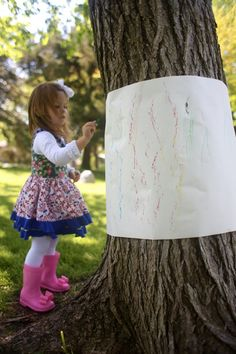 Outdoor Tree Bark Rubbings It's Day 4 of our 31 Days of Outdoor Activities for Toddlers! Today we experimented with creating Outdoor Tree Bark Rubbings in our backyard Activities For 5 Year Olds, Outdoor Activities For Toddlers, Forest School Activities, Nature Activities, Toddler Learning Activities, Spring Activities, Fun Activities For Preschoolers, Learning Games, Toddler Preschool