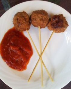 Football Party Finger Foods: Meatball Lollipops