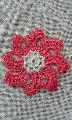 HodgePodge Crochet Presents How To Crochet Eyes For Your Amigurumi - Crochet Hairband Poncho Crochet, Stitch Crochet, Crochet Eyes, Crochet Lace Edging, Crochet Amigurumi, Crochet Flower Patterns, Crochet Home, Love Crochet, Irish Crochet