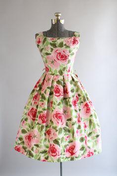 Vintage 1950s Dress / 50s Cotton Dress / Red and Pink Rose Print Sun Dress M