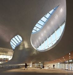 New images by photography duo Hufton + Crow reveal the curvaceous form of UNStudio's new transport terminal in Arnhem