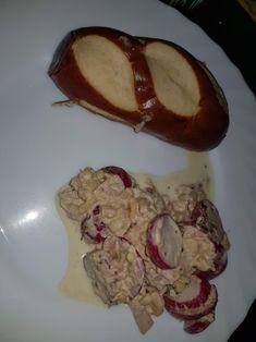 Brioche Pasquier, Sandwiches, Pork, Pretzels, Recipe, King Cakes, Meal, Food, Kitchens