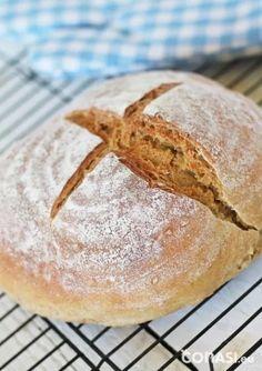 Pan de espelta y garbanzos