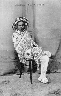 Swahili Zanzibar Africa girl ca 1900 Zanzibar Africa, Tanzania, Kenya, African Tribes, People Of The World, African History, East Africa, Black History, Vintage Pictures