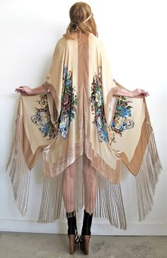 Love this bohemian look.