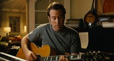 Guild acoustic guitar played by Jason Lee in ALVIN AND THE CHIPMUNKS (2007) #guild