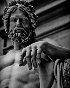 Greek Mythology Tattoos, Greek And Roman Mythology, Greek Gods, Ancient Greek Sculpture, Greek Statues, Ancient Art, Statue Tattoo, Vaporwave Art, Roman Sculpture
