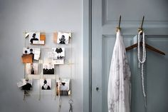 Customize any home creatively with the IKEA MYHEDEN wire brass frame, where you can hang pictures and trinkets with its complementary hooks.