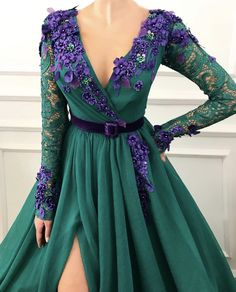 Elegant Long Sleeve Lace Evening Dresses,Beautiful Appliques Formal Prom Dresses,Charming V-Neck Party Dresses in 2020 Lace Evening Dresses, Elegant Dresses, Pretty Dresses, Evening Gowns, Prom Dresses, Formal Dresses, Formal Prom, Dress Prom, Dress Wedding