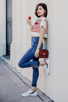 Olivia Culpo, the fashion influencer and DSW style ambassador, went for none other than Prada for her first splurge. Fashion Blogger Style, Girl Fashion, Fashion Outfits, Olivia Culpo, Estilo Blogger, Spring Summer, Style Summer, Jeans And Sneakers, Autumn Street Style