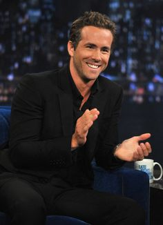 A round of applause for Ryan Reynolds please :)