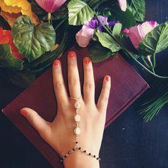 hand bracelets <3