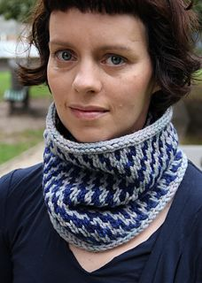 Got 2 skeins of Malabrigo Chunky in some nice colors? Use them for the Heirship Cowl!