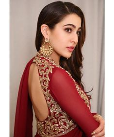 Beauty Beyond Words ❤️ Sara Ali Khan looks ethereal in Red for a wedding party. Saif Ali Khan, Mahira Khan, Bollywood Girls, Bollywood Fashion, Bollywood Style, Beautiful Bollywood Actress, Beautiful Indian Actress, Indian Celebrities, Bollywood Celebrities