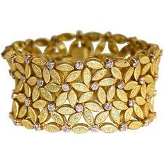 Buccellati Diamond Gold Wide Link Bracelet ❤ liked on Polyvore featuring jewelry, bracelets, diamond jewelry, yellow gold jewelry, 18 karat gold jewelry, gold diamond bangles and wide gold bangle